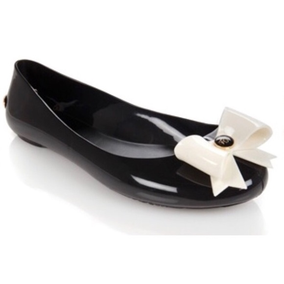 bdced738ab9ace Ted Baker  Thuja  Jelly Bow Flat Shoe. M 5b33a84e1b3294e925812bbd